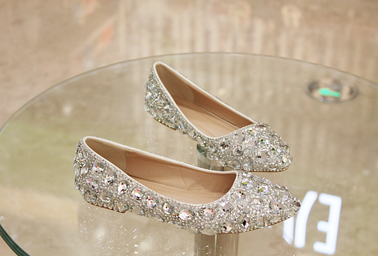 2018 in stock sparkle white wedding flat shoes women wedding bridal 2018 in stock sparkle white wedding flat shoes women wedding bridal shoes crystals lace pointed toe flat shoes junglespirit Image collections