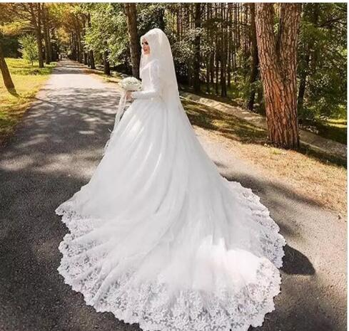 New Arabic Muslim Bridal Dress With Hijab and Long Trail Luxury Long Sleeves Court Train Appliqued Hijab Wedding Dresses Robe De Mariage