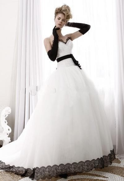 Simple Elegant White Ball Gown Wedding Dresses Black Lace Bridal
