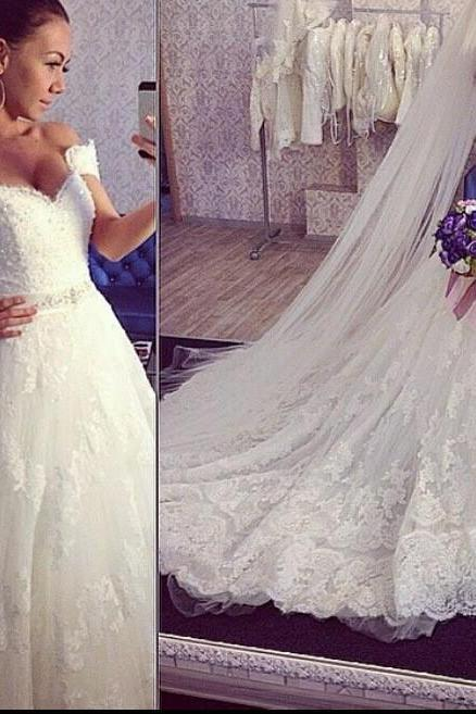Ball Gown Wedding Dresses Sweetheart Neck Lace Appliques Chapel Train Bridal Gowns Plus Size Designer Gown