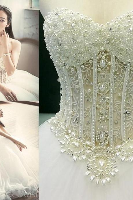Sexy Dimond Sweetheart Wedding Dress Crepe Embroidered Beaded Castle Ball Gown Sweep Train Illusion Backless Bridal Gown
