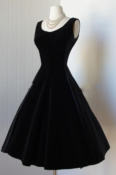 Delicate Black Satin Homecoming Dresses 2018 Scoop Backless Little Black Dresses Vintage 1950s Dress Cocktail Party Dress with Bows