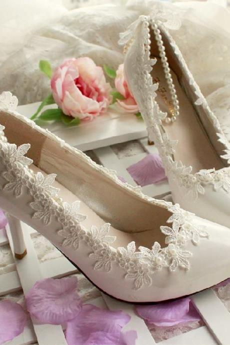 2018 In Stock Elegant Wedding Heels Women Pumps 9cm High Heels Wedding Bridal Shoes Lace Pointed Toe High Heels