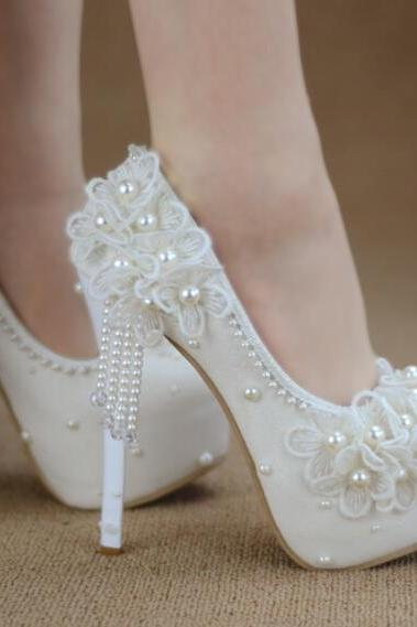 2018 In Stock Luxury Bling Sparkle Lace White Wedding Heels Women Pumps 8cm High Heels Wedding Bridal Shoes Pointed Toe High Heels