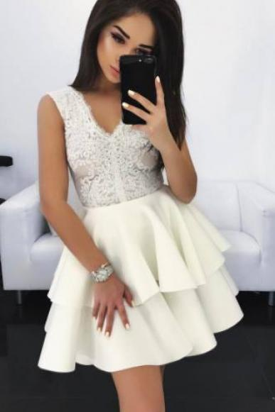 2018 White Ball Gown Satin Homecoming Dresses V Neck Sleeveless Lace Bodice Mini Short Cocktail Dress Prom Dress Party Gowns Vestidos