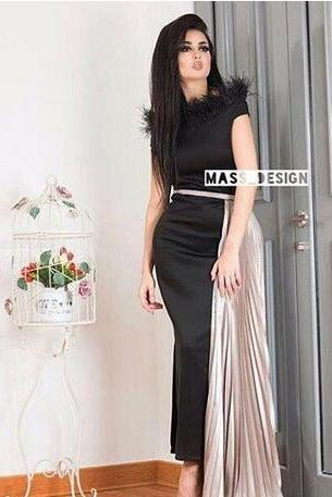 2018 Black Prom Dresses Feather Neckline Sheath Crew Neckline Cap Sleeves Split Skirt with Champagne Pleated Train LBD