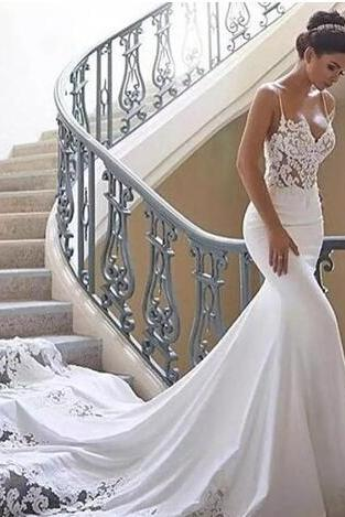 2018 Spaghetti Strap Mermaid Wedding Dresses Illusion Backless Chapel Train Sexy Bridal Gowns Sweetheart Trumpet Lace Edge Wedding Gowns