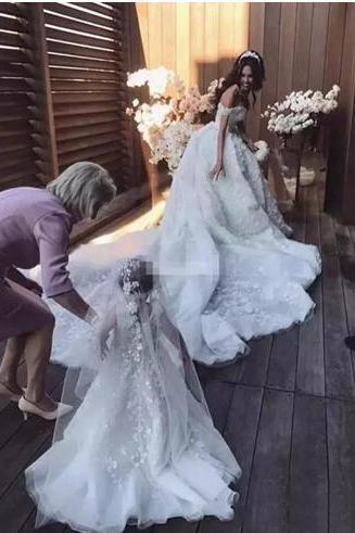 Luxury 2018 Off The Shoulder Lace Ball Gown Wedding Dresses Gorgeous Beads Applique Cathedral Train Bridal Gowns Custom Made