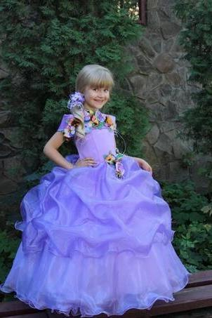 Sweety Flower Girls Dresses With Handmade Flowers Bateau Short Sleeves Pageant Dresses Back Zipper Tiered Ruffle Ball Gowns Party Gowns