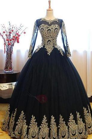 Vintage Long Sleeves Black Gold Appliques Quinceanera Dresses 2018 Newest Ball Gown Sheer Party Prom Evening Gowns with Corset Back
