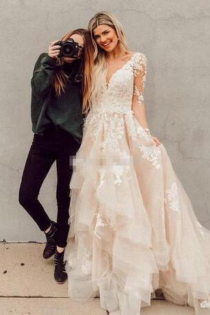 Boho Lace Wedding Dresses Layered Tulle Appliques A-Line Bridal Dresses Illusion Sleeves Rustic Country Wedding Gowns 2018 Backless