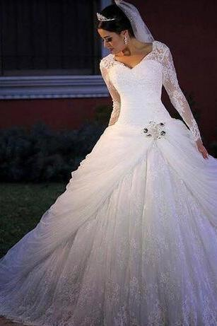 Luxuriou Plus Size Long Sleeves Ball Gown Wedding Dresses 2018 Appliques Crystals V-neck Bridal Gown Wedding Gowns