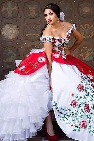 2018 New White And Red Vintage Quinceanera Dresses With Embroidery Beads Sweet 16 Prom Pageant Debutante Dress Party Gown