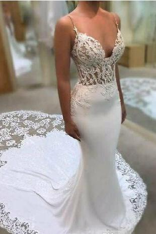 Sexy V-Neck Spaghetti Strap Sheer Lace Appliqués Mermaid Wedding Dress with Chapel Train