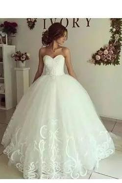 New Design Romantic Ball Gown Wedding Dresses Sweetheart Lace Applique Formal Gowns Sexy Backless Wedding Bridal Gowns Custom Made