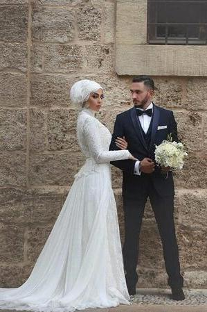 2018 High Neck Wedding Dresses Bridal Gowns Lace Long robe de mariage Long Sleeves Muslim Bridal Gowns Islamic Arabic Wedding Dresses