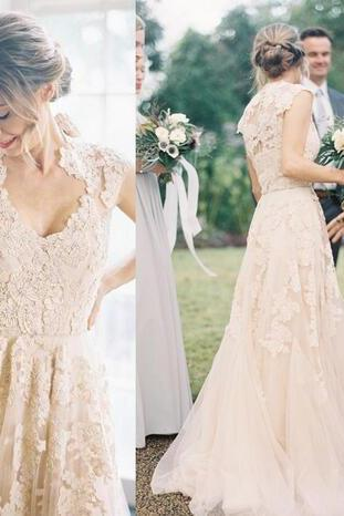 Vintage Champagne Tulle Wedding Dresses 2018 Sheer V Neck Applique Floor Length Custom Made Plus Size Outdoor Bridal Wedding Gowns