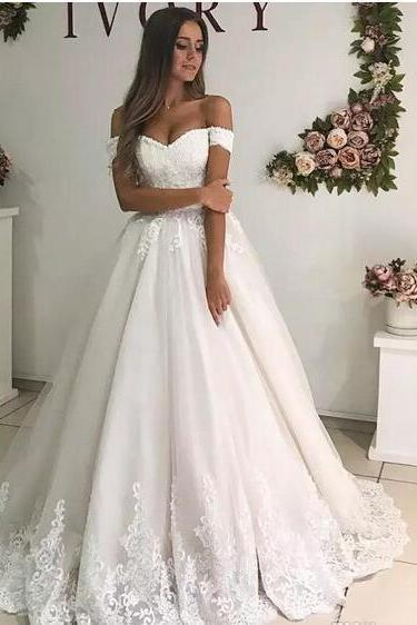 Custom Off Shoulder Lace Wedding Dresses 2018 with Appliques Tulle Sweep Train Lace-up Back A Line Wedding Bridal Gowns