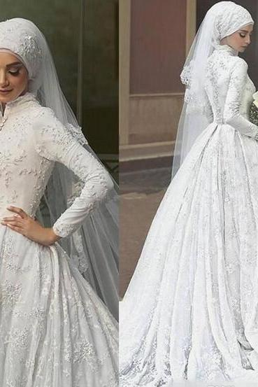 Luxurious White Lace Muslim Plus Size Wedding Dresses Bridal Gowns 2018 Modest Long Sleeves Appliques with Buttons