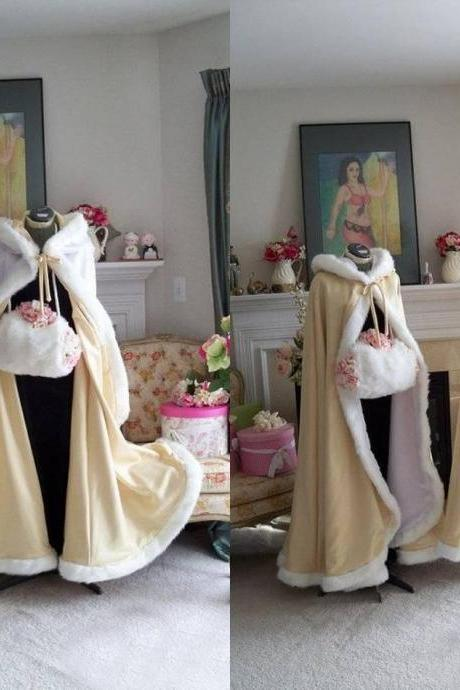 2017 Stunning Floor Length Champagne Color Bridal Capes Wedding Cloaks Faux Fur Perfect For Winter Wedding Bridal Cloaks Cape Wedding Cape