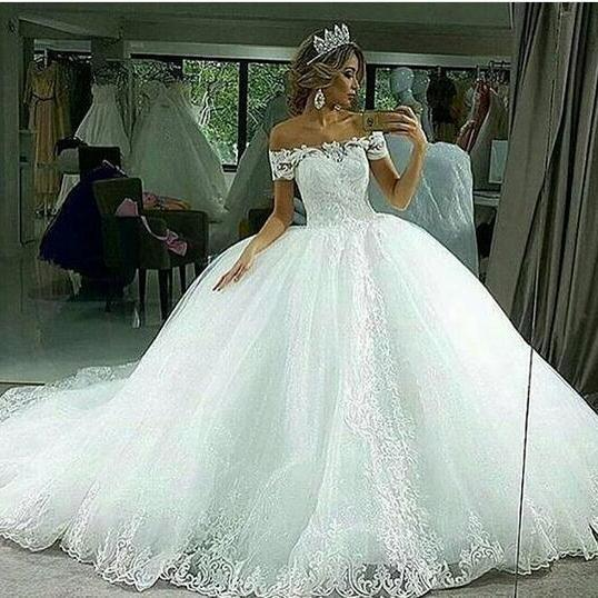 2018 Ball Gown Tulle Wedding Dresses Off the Shoulder Lace Appliques Bridal Gowns