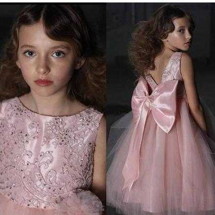 A Line Tulle Flower Girls Dresses for Weddings with Bow Flower Backless Applique Beaded Communion Dress
