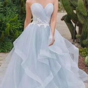 Simple Applique Tulle Wedding Dresses Sleeveless Sweetheart Lace Up Sweep Train Bridal Gowns Backless A Line Wedding Gowns Custom Made